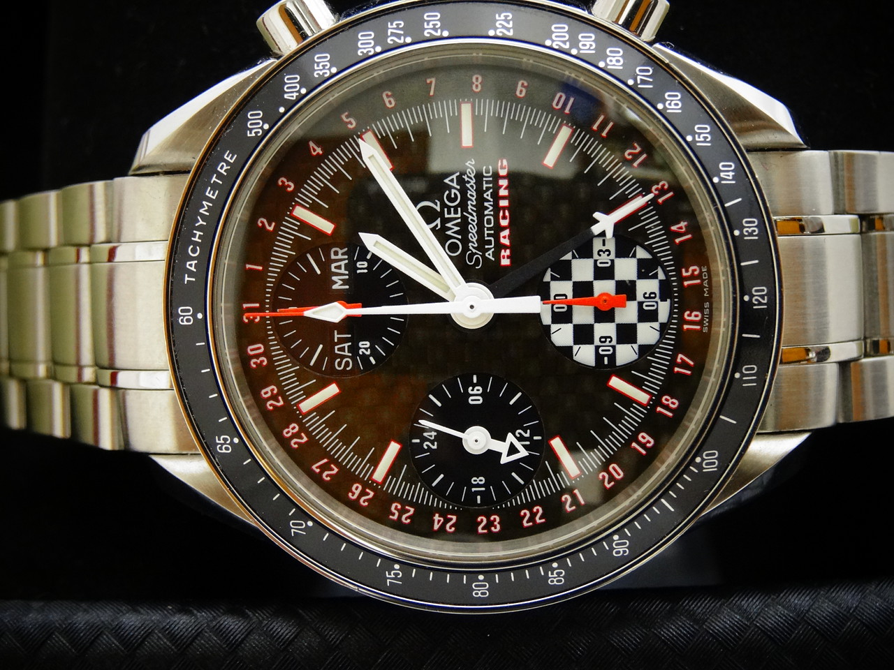omega speedmaster day date michael schumacher Rogues gallery of speedmaster and dynamic fakes speedmaster: schumacher sees a caution flag 1) this model should have month/day/date on upper dial.
