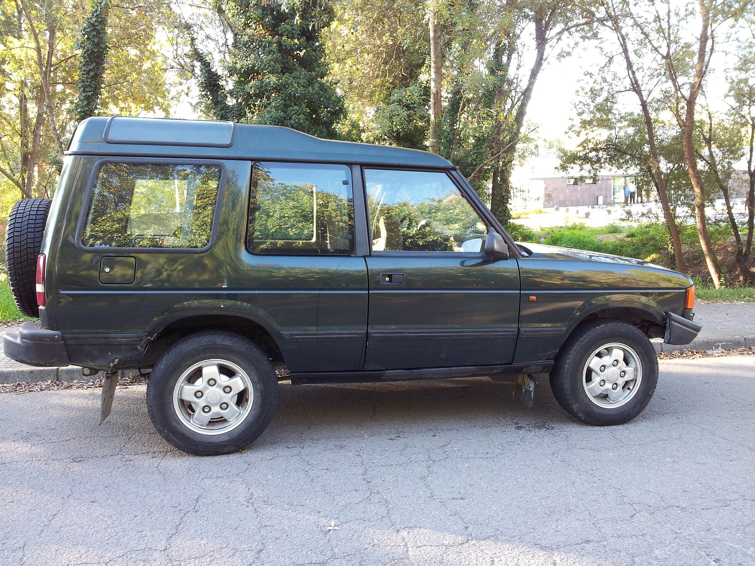 pin vendo land rover discovery 300 tdi on pinterest. Black Bedroom Furniture Sets. Home Design Ideas