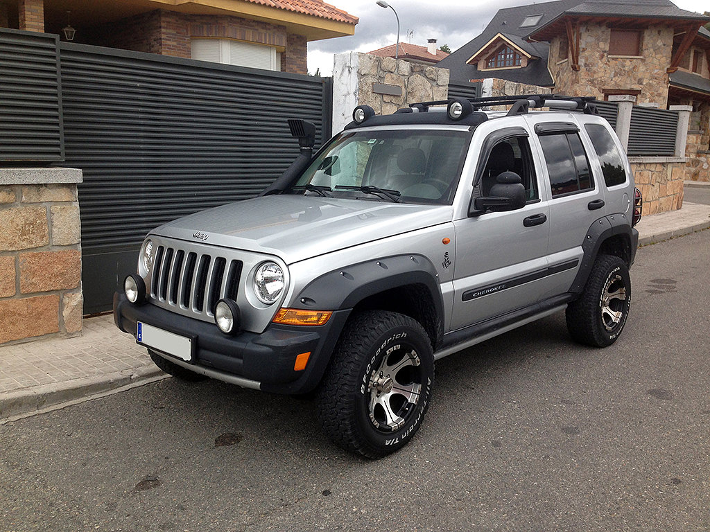 jeep cherokee 2 8 crd renegade extreme forocoches. Black Bedroom Furniture Sets. Home Design Ideas