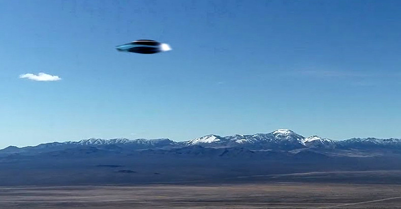 Filmato UFO metallico vicino all'Area 51, ma è vero?