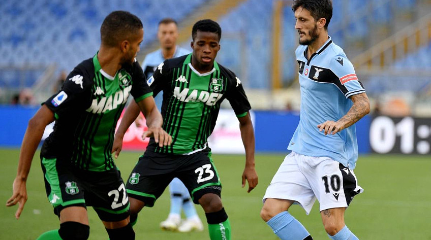 Calcio Serie A: Lazio-Sassuolo 1-2, la Juventus resta a 7 lunghezze di differenza in classifica.